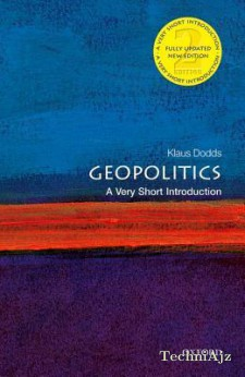 Geopolitics: A Very Short Introduction(Paperback)
